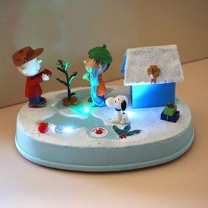 Peanuts Animated Christmas Scene Lights Music